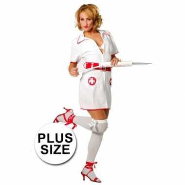 Grote maten verpleegster kostuum